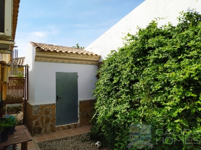 Villa Esperanza: Resale Villa for Sale in Arboleas, Almería