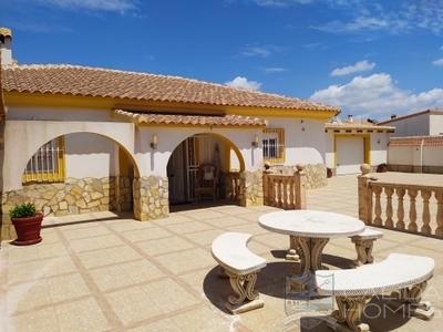 Villa Orchid: Resale Villa in Arboleas, Almería