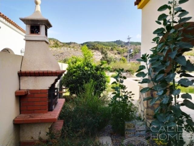 Villa Trufa : Resale Villa for Sale in Arboleas, Almería